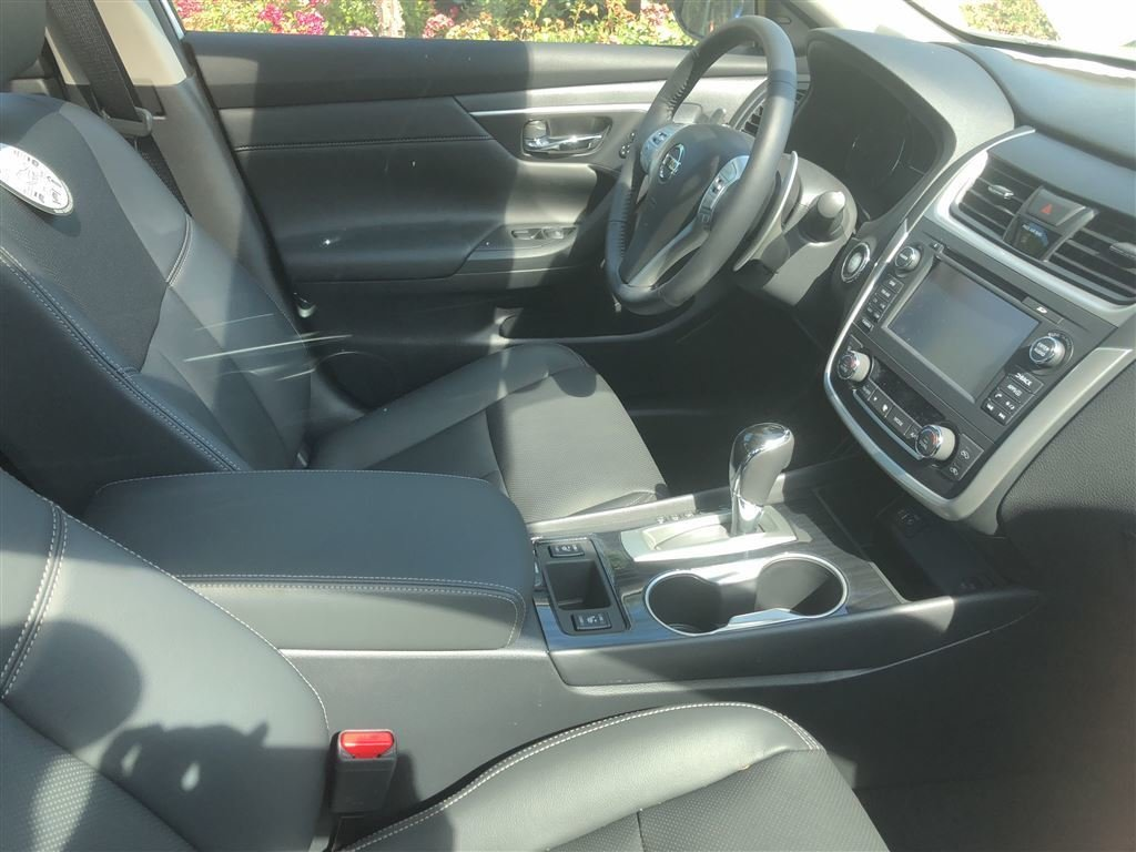 2017 Nissan Altima Sedan 3.5 SL CVT in Vancouver, British Columbia - 5 - w1024h768px