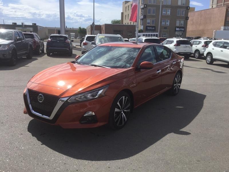 2019 Nissan Altima Sedan 2.5 Platinum CVT in Regina, Saskatchewan - 1 - w1024h768px