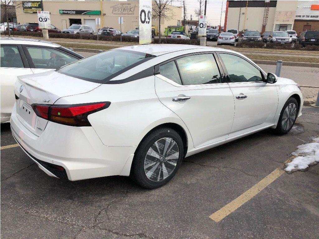 2019 Nissan Altima Sedan 2.5 SV CVT in Mississauga, Ontario - 3 - w1024h768px