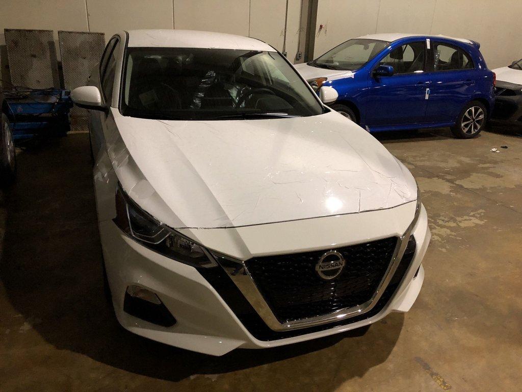 2019 Nissan Altima Sedan 2.5 S CVT in Mississauga, Ontario - 4 - w1024h768px