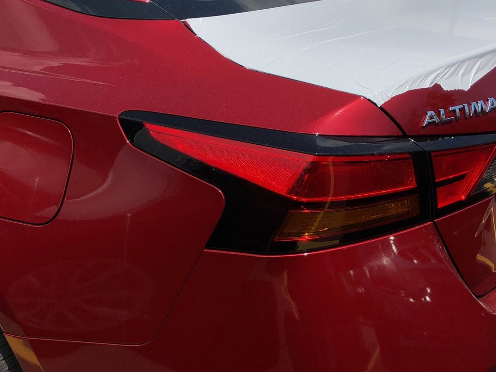 2019 Nissan Altima Sedan 2.5 Platinum CVT in Mississauga, Ontario - 5 - w1024h768px
