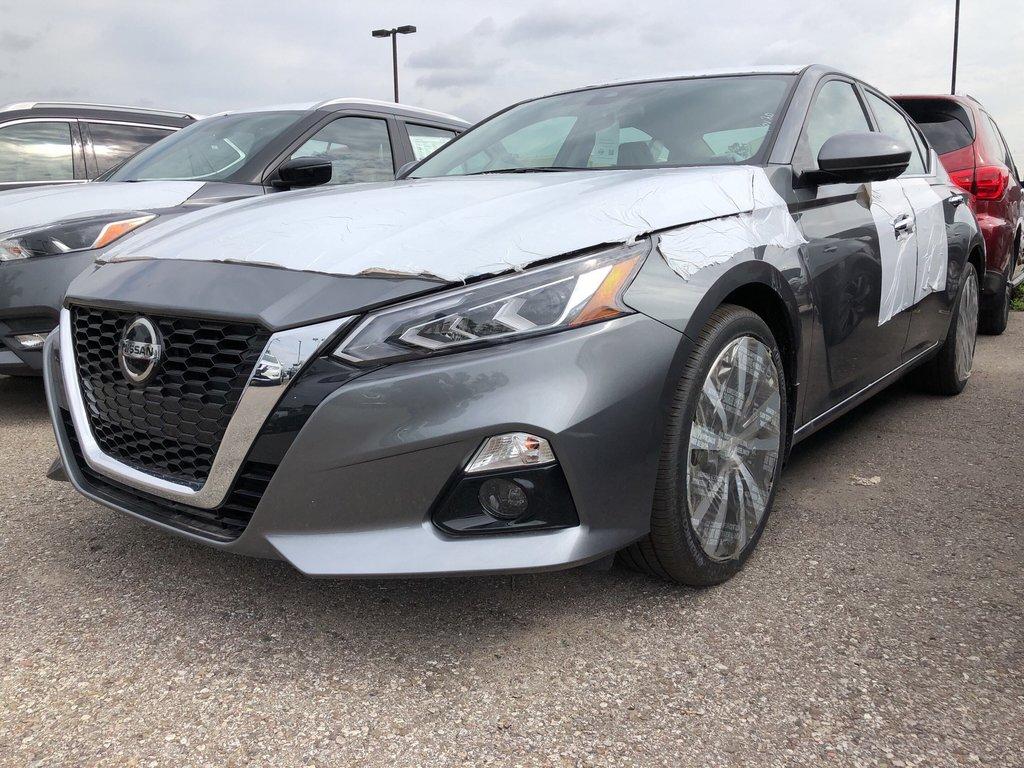 2019 Nissan Altima Sedan 2.5 Platinum CVT in Mississauga, Ontario - 1 - w1024h768px
