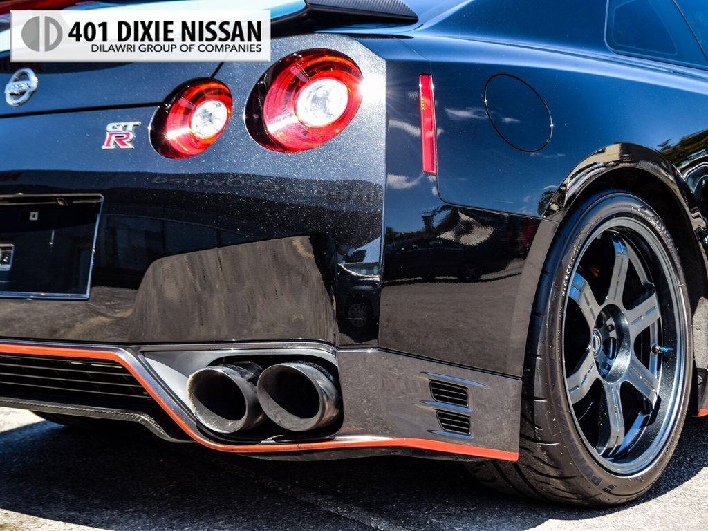 2015 Nissan GT-R Black Edition in Mississauga, Ontario - 8 - w1024h768px