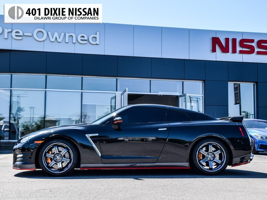 2015 Nissan GT-R Black Edition in Mississauga, Ontario - 4 - w1024h768px