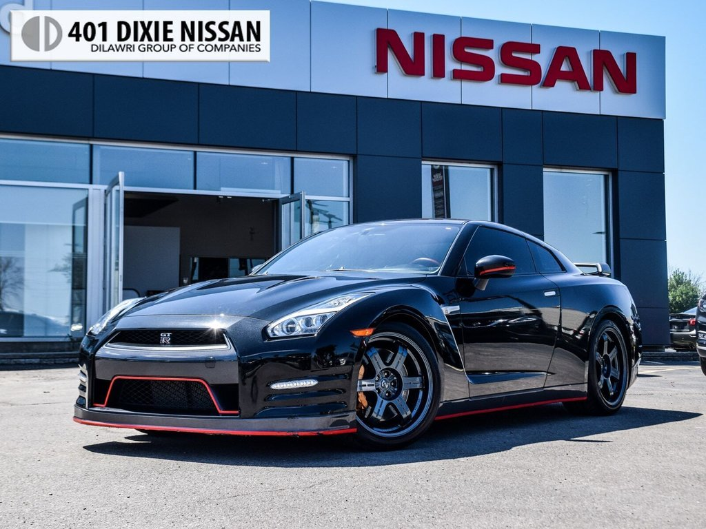 2015 Nissan GT-R Black Edition in Mississauga, Ontario - 1 - w1024h768px