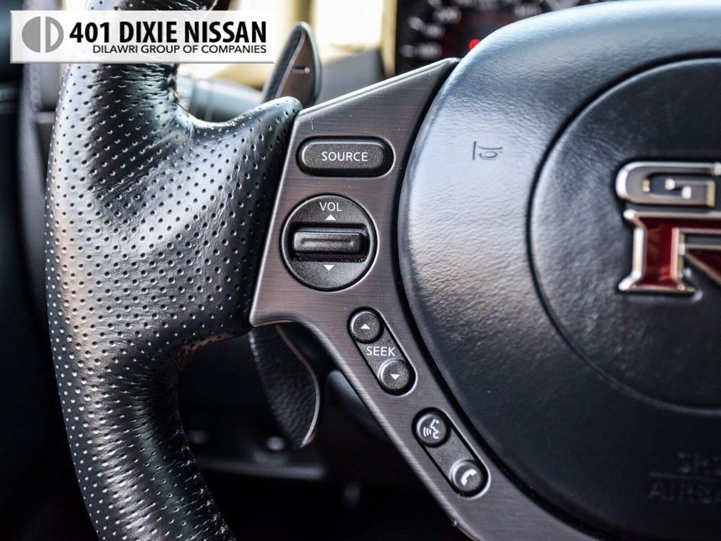 2015 Nissan GT-R Black Edition in Mississauga, Ontario - 21 - w1024h768px