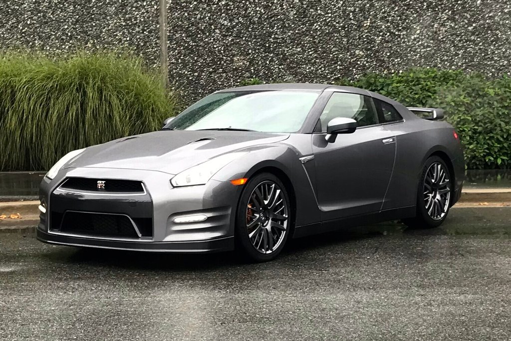 2016 Nissan GT-R Premium Edition in North Vancouver, British Columbia - 4 - w1024h768px