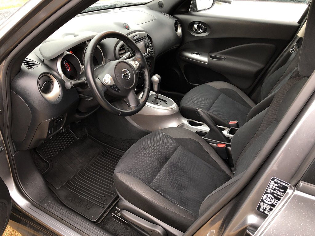 2015 Nissan Juke SV FWD CVT in Vancouver, British Columbia - 9 - w1024h768px