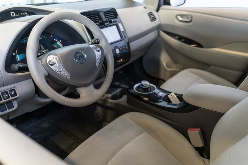 2015 Nissan Leaf SV in Langley, British Columbia - 11 - w1024h768px