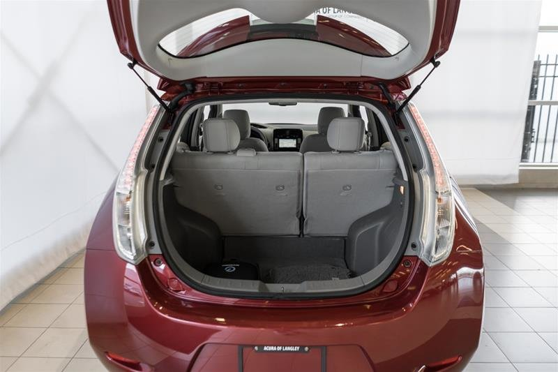 2015 Nissan Leaf SV in Langley, British Columbia - 8 - w1024h768px