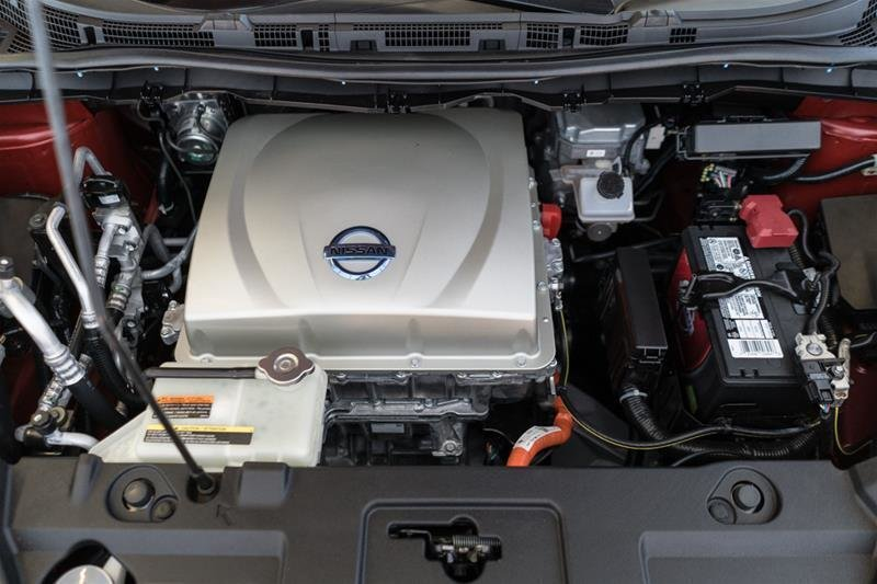 2015 Nissan Leaf SV in Langley, British Columbia - 40 - w1024h768px