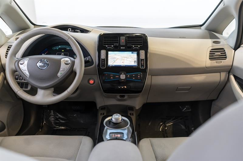 2015 Nissan Leaf SV in Langley, British Columbia - 39 - w1024h768px
