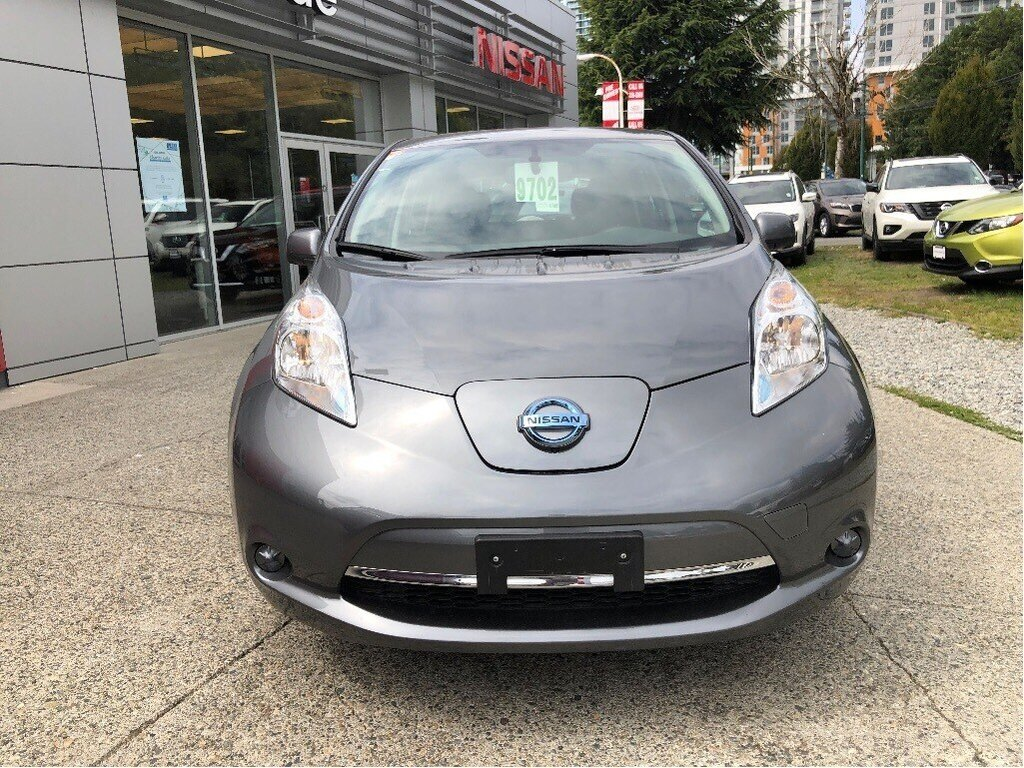 2016 Nissan Leaf SV in Vancouver, British Columbia - 2 - w1024h768px