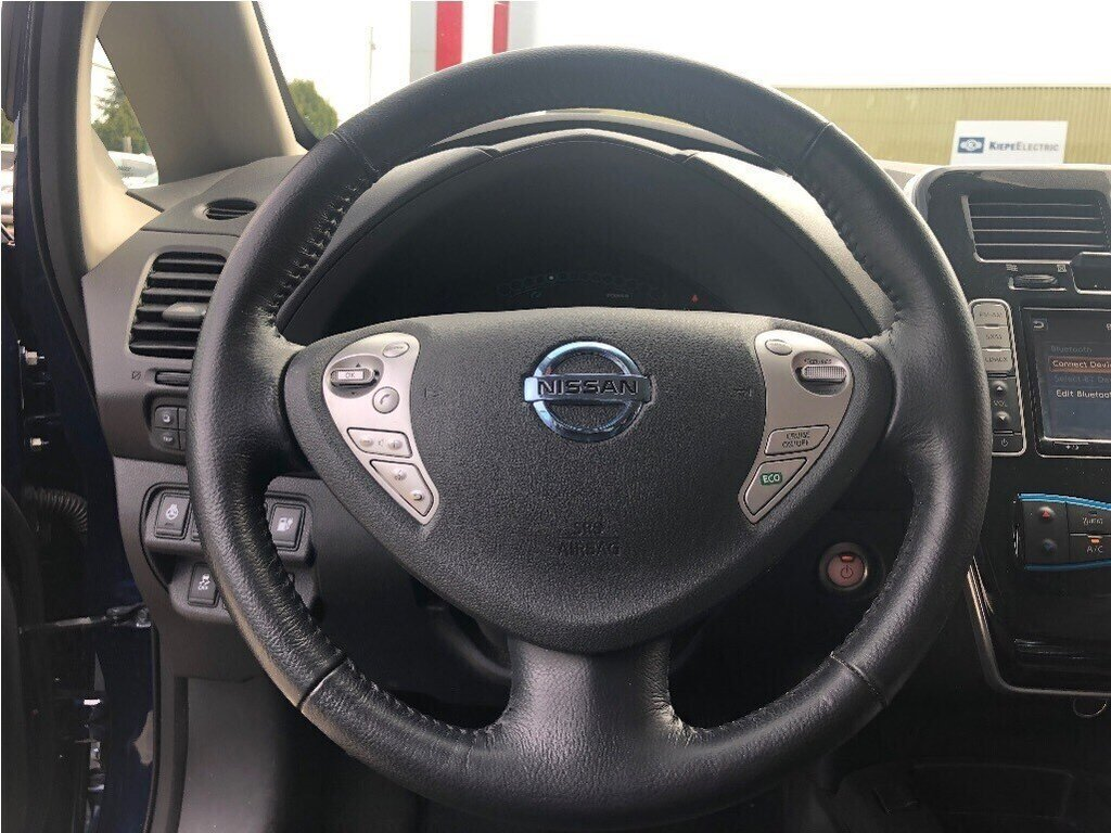 2016 Nissan Leaf SV in Vancouver, British Columbia - 19 - w1024h768px