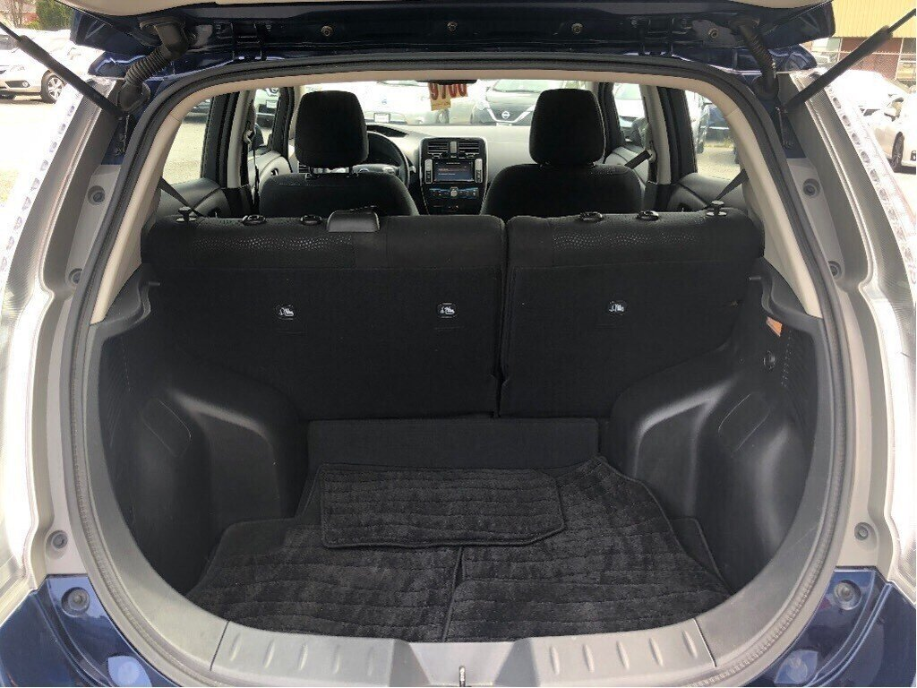 2016 Nissan Leaf SV in Vancouver, British Columbia - 20 - w1024h768px