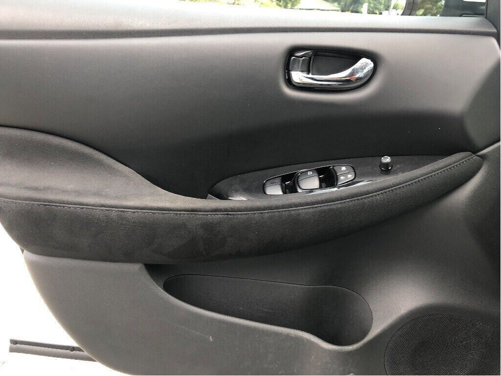 2016 Nissan Leaf SV in Vancouver, British Columbia - 9 - w1024h768px