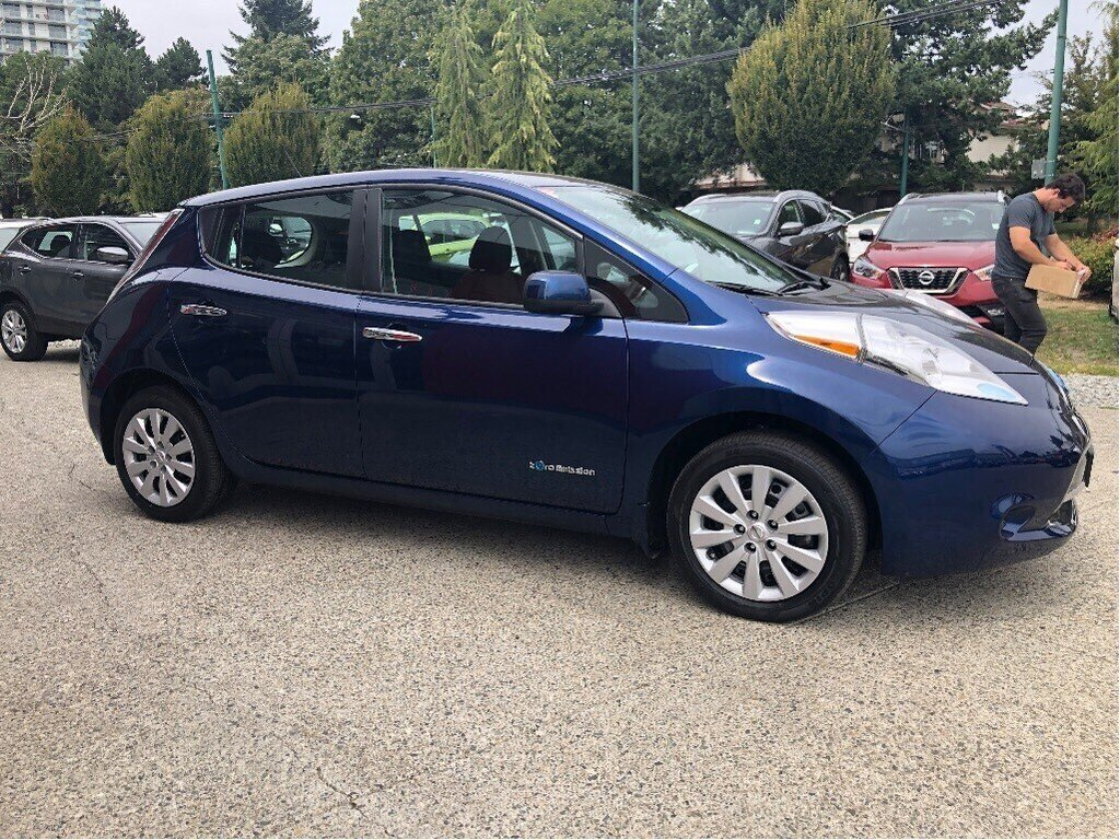 2016 Nissan Leaf S in Vancouver, British Columbia - 4 - w1024h768px