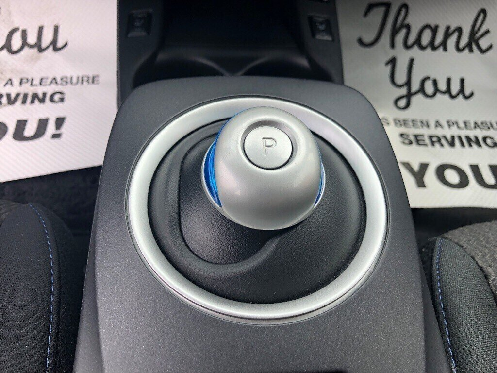 2016 Nissan Leaf S in Vancouver, British Columbia - 18 - w1024h768px