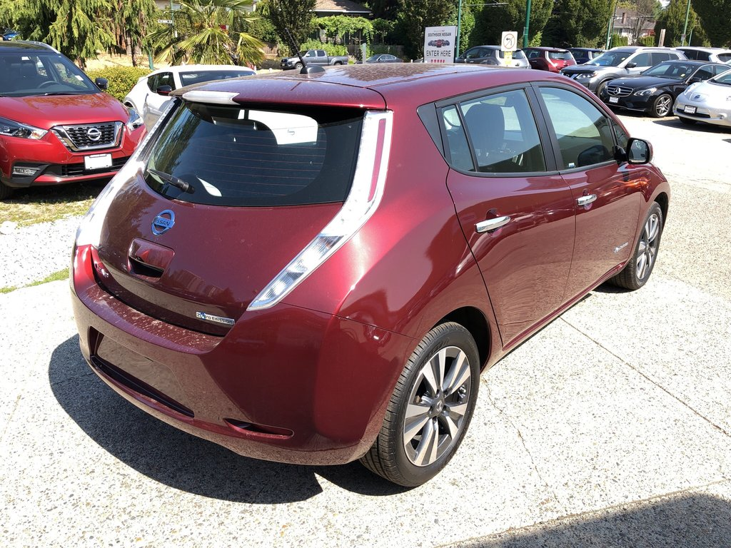 2016 Nissan Leaf SV in Vancouver, British Columbia - 5 - w1024h768px