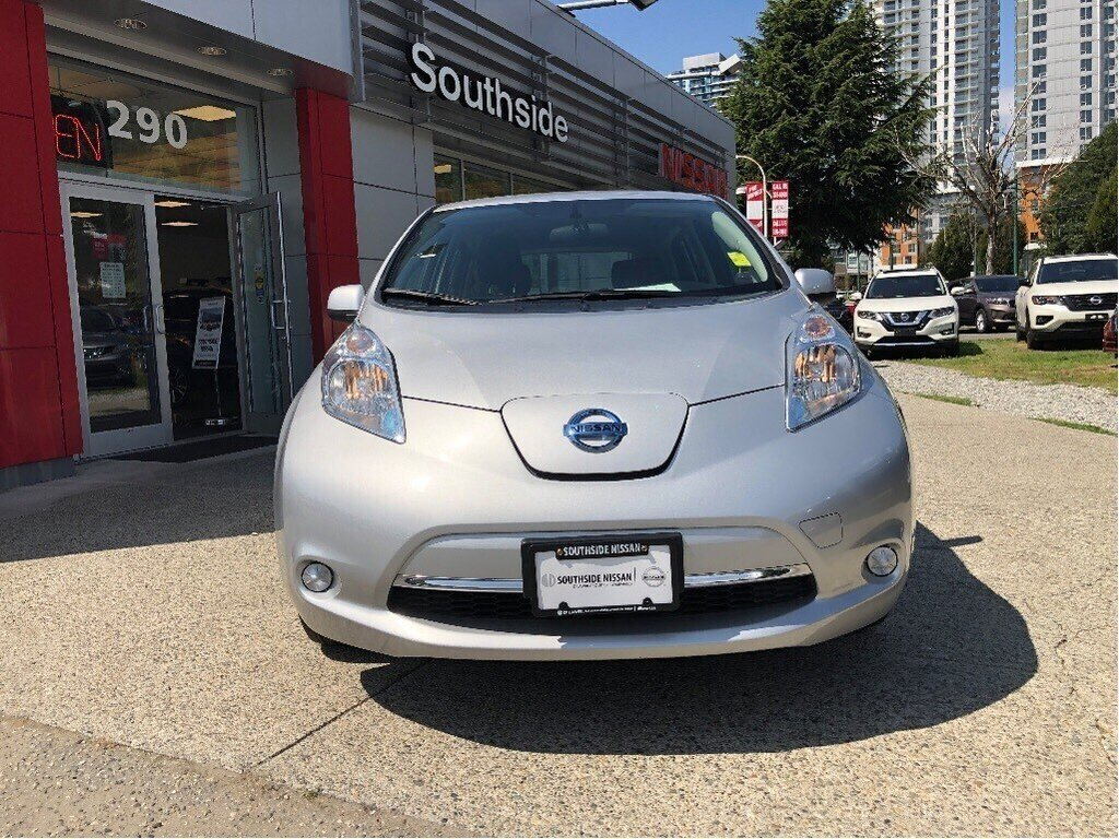 2017 Nissan Leaf SV in Vancouver, British Columbia - 2 - w1024h768px