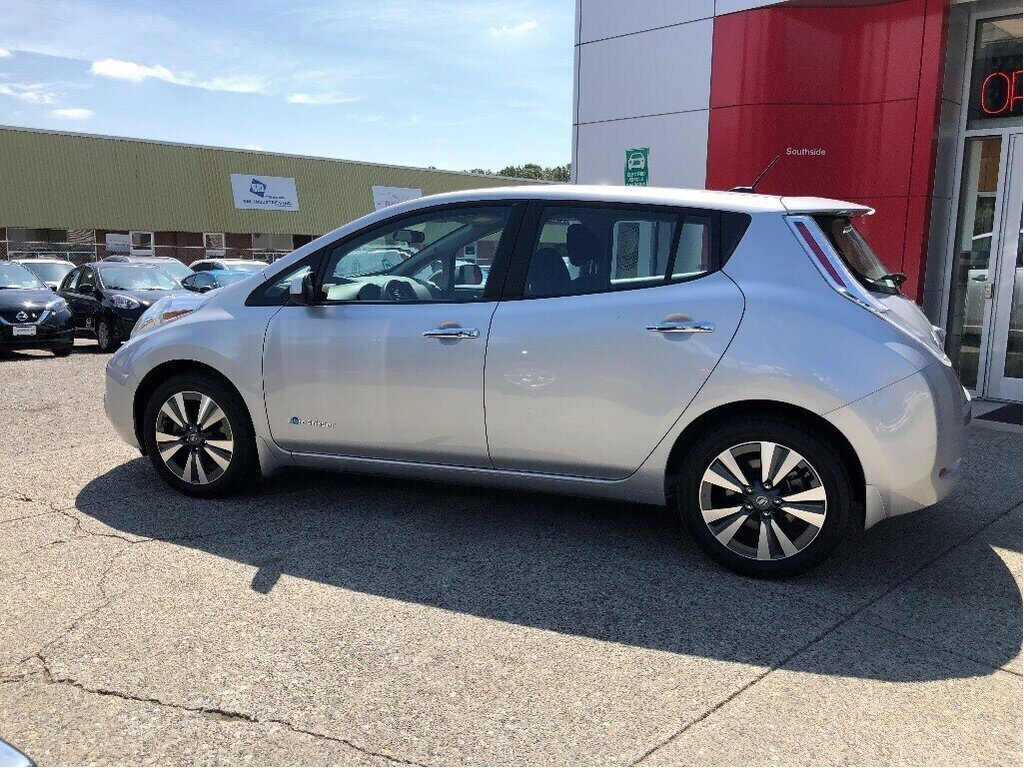 2017 Nissan Leaf SV in Vancouver, British Columbia - 8 - w1024h768px