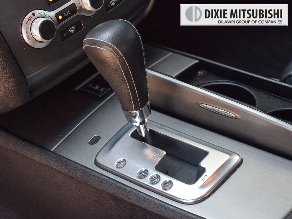 2012 Nissan Maxima 3.5 SV CVT in Mississauga, Ontario - 16 - w1024h768px