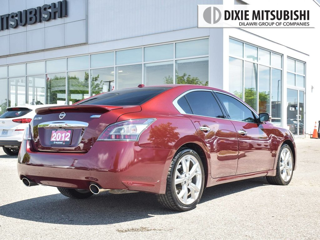 2012 Nissan Maxima 3.5 SV CVT in Mississauga, Ontario - 5 - w1024h768px