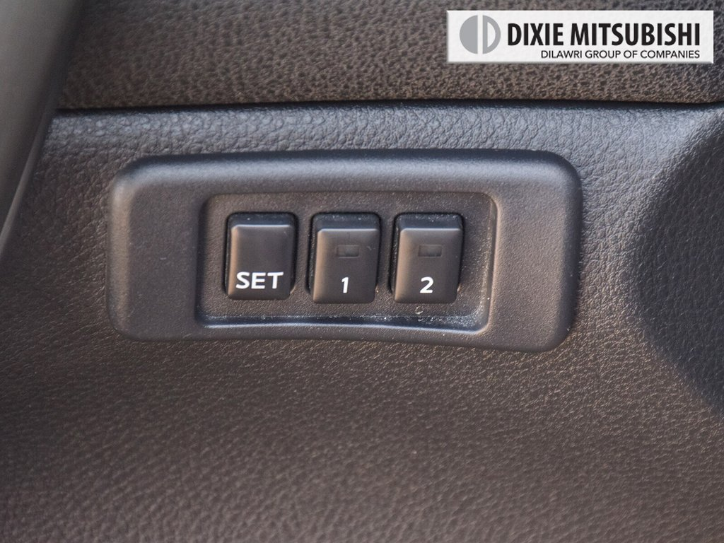 2012 Nissan Maxima 3.5 SV CVT in Mississauga, Ontario - 20 - w1024h768px