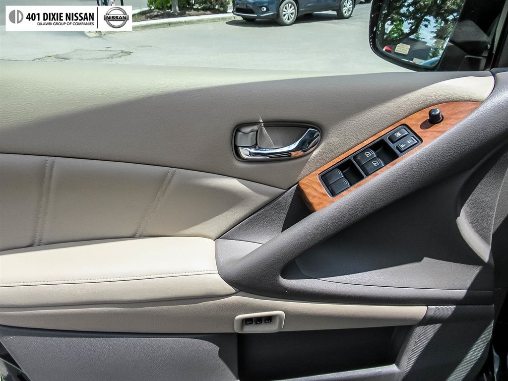 2014 Nissan Murano Platinum AWD CVT in Mississauga, Ontario - 35 - w1024h768px