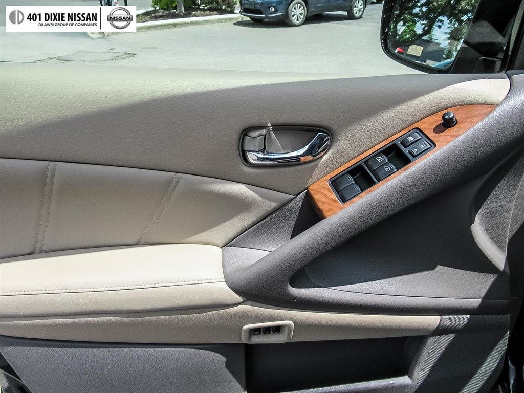 2014 Nissan Murano Platinum AWD CVT in Mississauga, Ontario - 9 - w1024h768px