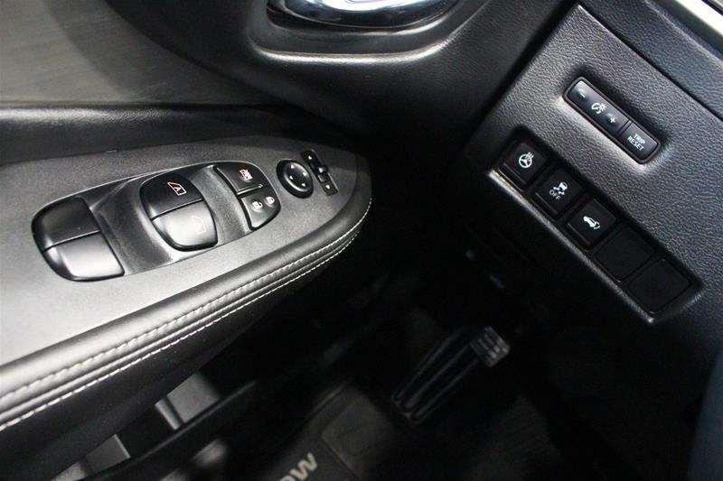 2018 Nissan Murano SV AWD CVT in Regina, Saskatchewan - 4 - w1024h768px
