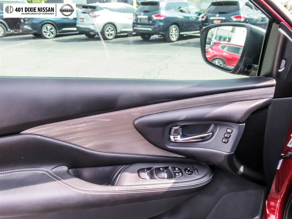 2018 Nissan Murano Platinum AWD CVT in Mississauga, Ontario - 14 - w1024h768px