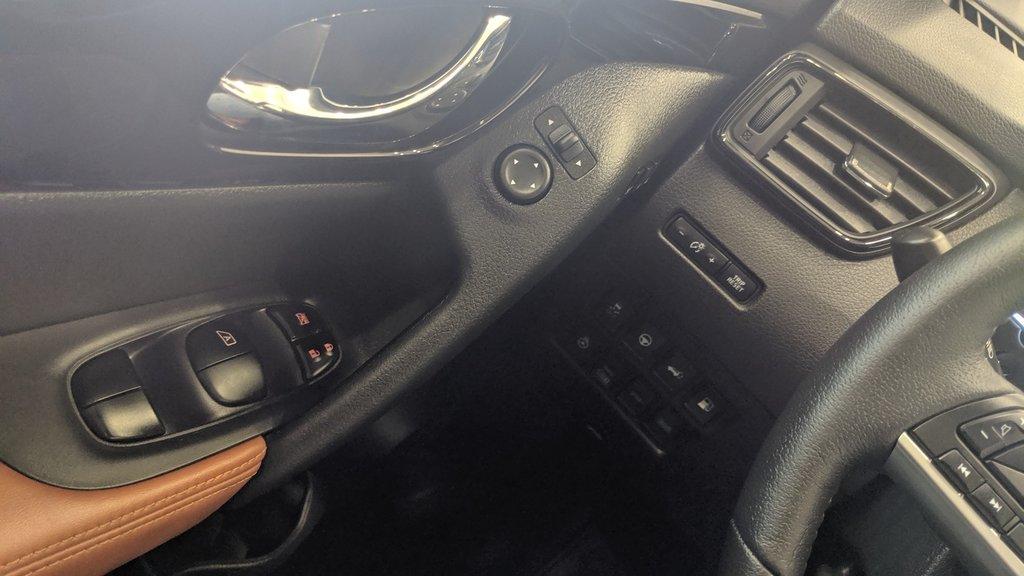 2019 Nissan Rogue SL in Regina, Saskatchewan - 3 - w1024h768px