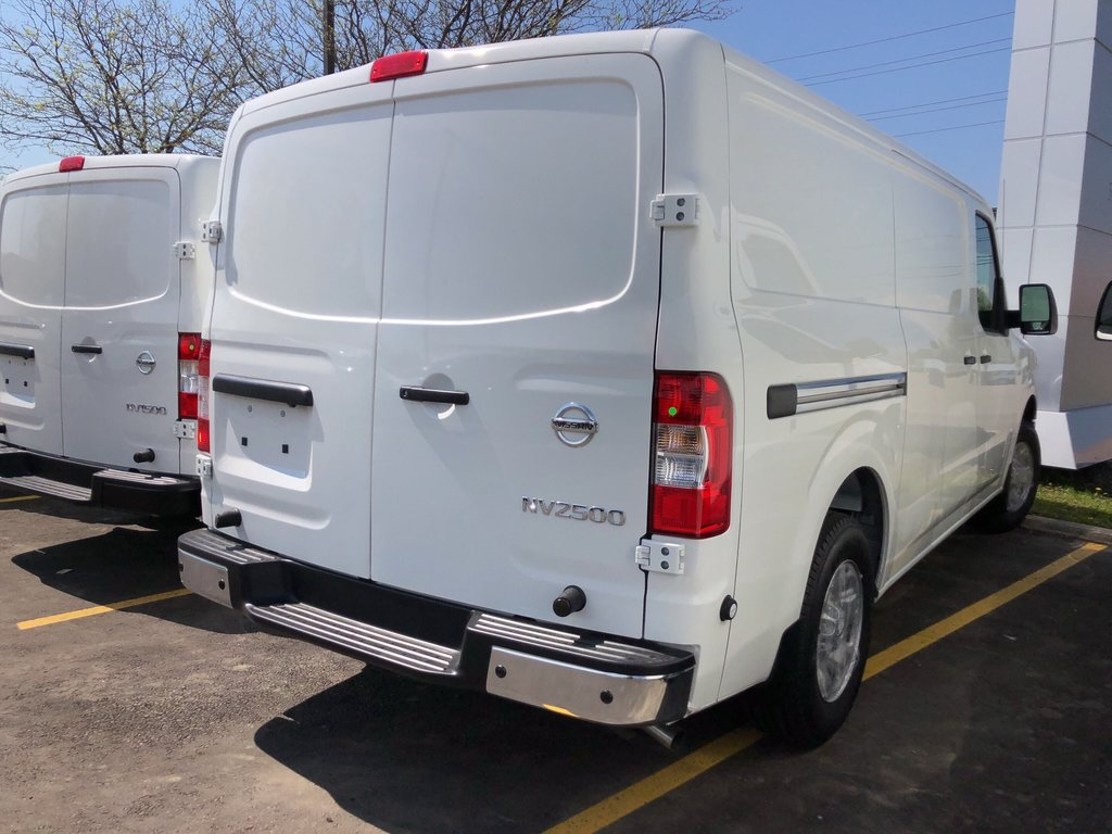 2019 Nissan NV 2500 Cargo SV V6 Standard Roof in Mississauga, Ontario - 4 - w1024h768px