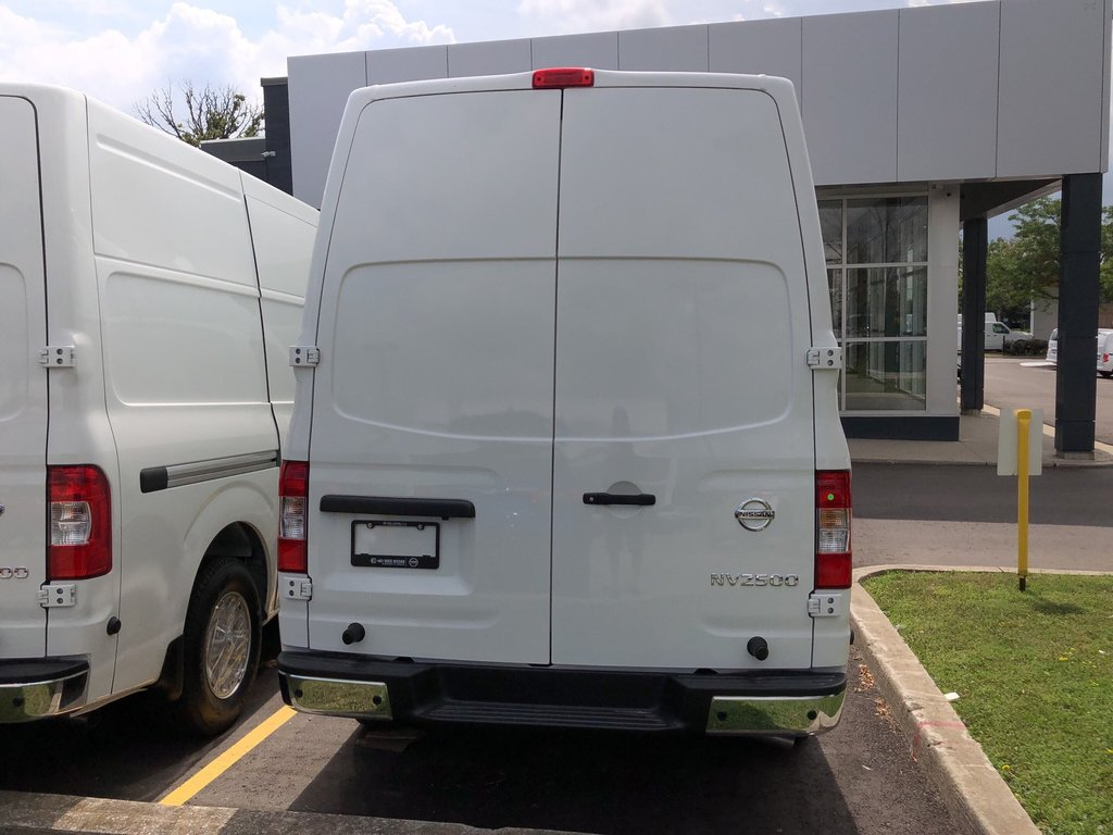 2019 Nissan NV 2500 Cargo SV V6 High Roof in Mississauga, Ontario - 5 - w1024h768px