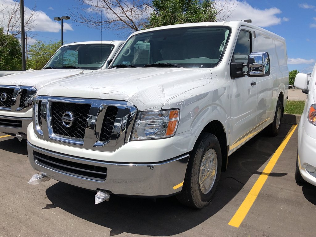 2019 Nissan NV 3500 Cargo SV V8 Standard Roof in Mississauga, Ontario - 1 - w1024h768px