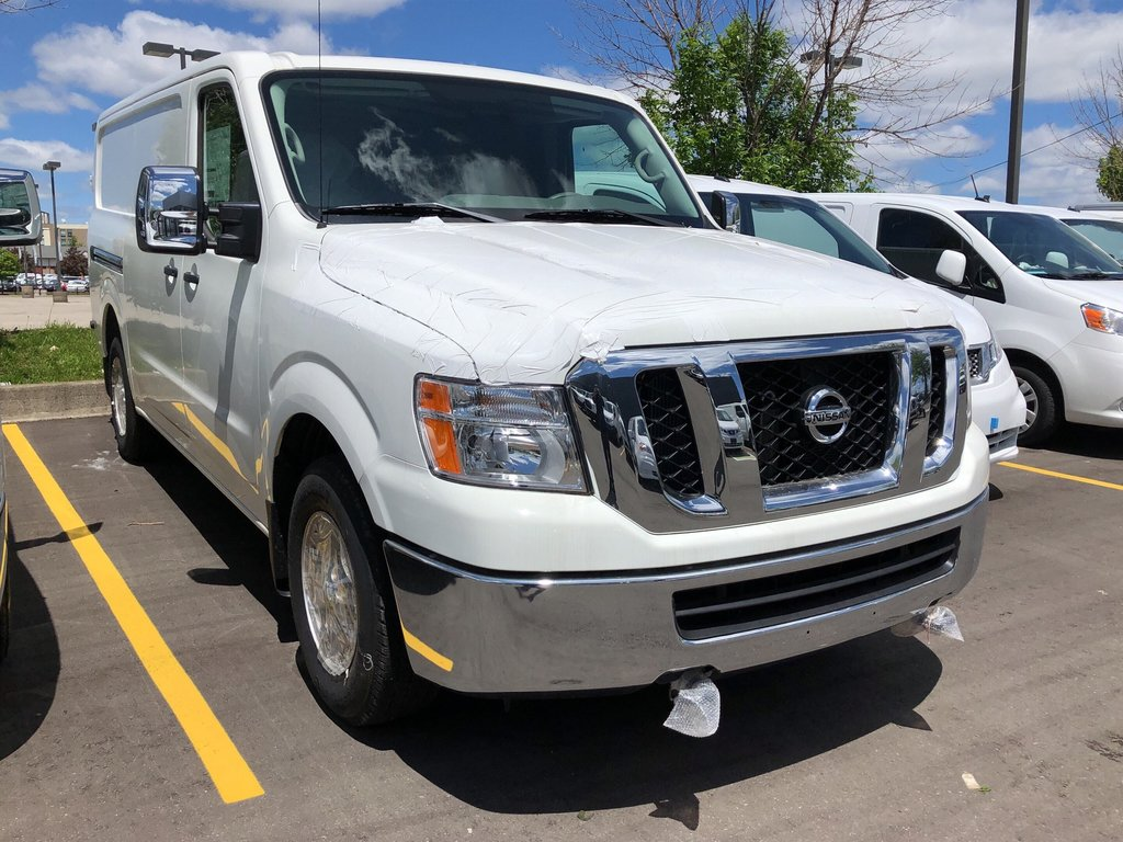2019 Nissan NV 3500 Cargo SV V8 Standard Roof in Mississauga, Ontario - 3 - w1024h768px