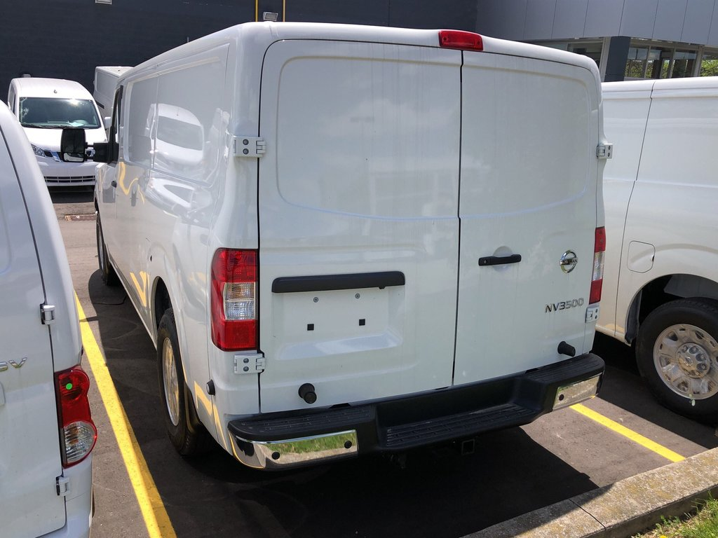 2019 Nissan NV 3500 Cargo SV V8 Standard Roof in Mississauga, Ontario - 5 - w1024h768px
