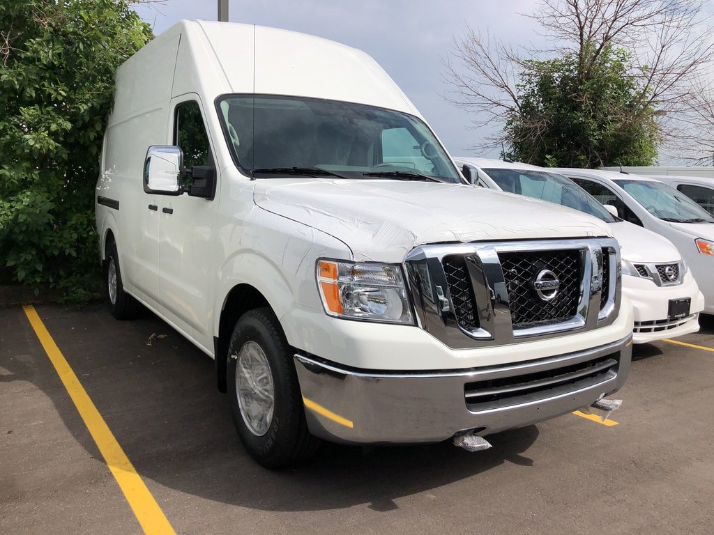 2019 Nissan NV 3500 Cargo SV V8 High Roof in Mississauga, Ontario - 3 - w1024h768px
