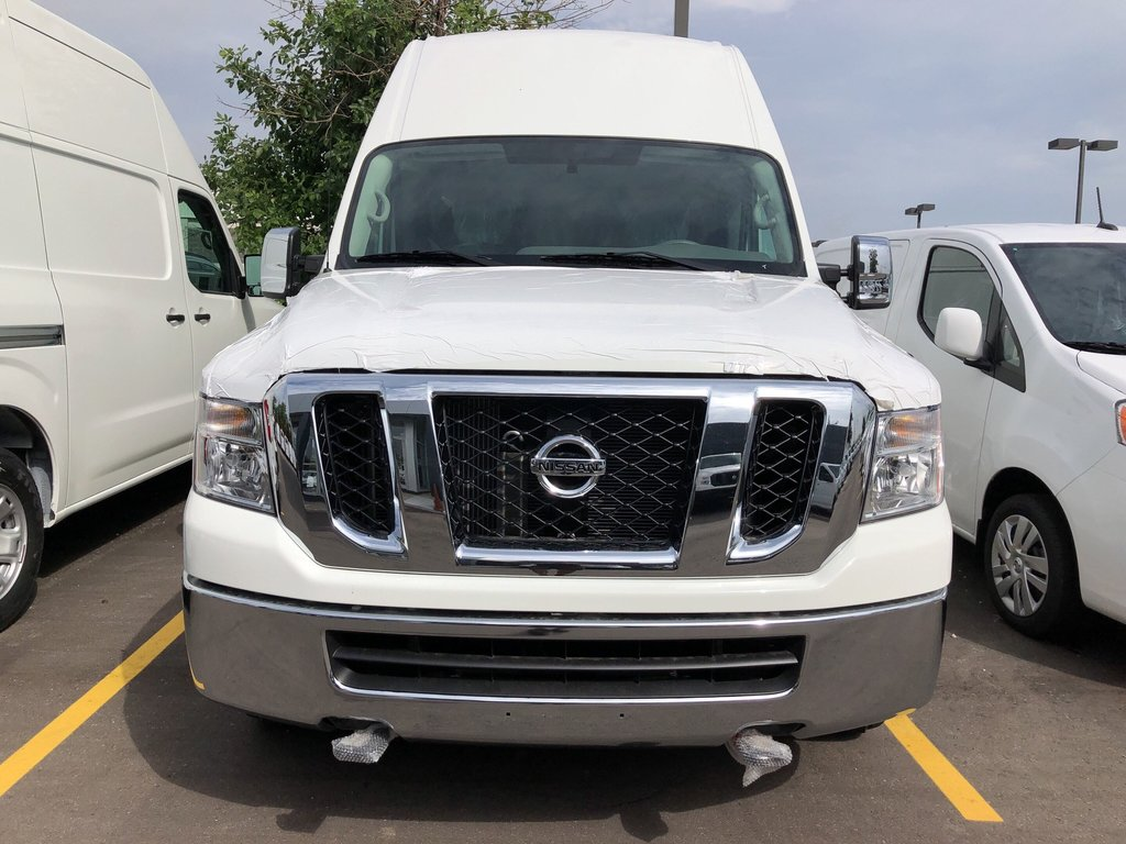 2019 Nissan NV 3500 Cargo SV V8 High Roof in Mississauga, Ontario - 2 - w1024h768px