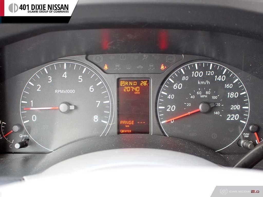 2018 Nissan NV 3500 Passenger SV V8 Standard Roof in Mississauga, Ontario - 15 - w1024h768px