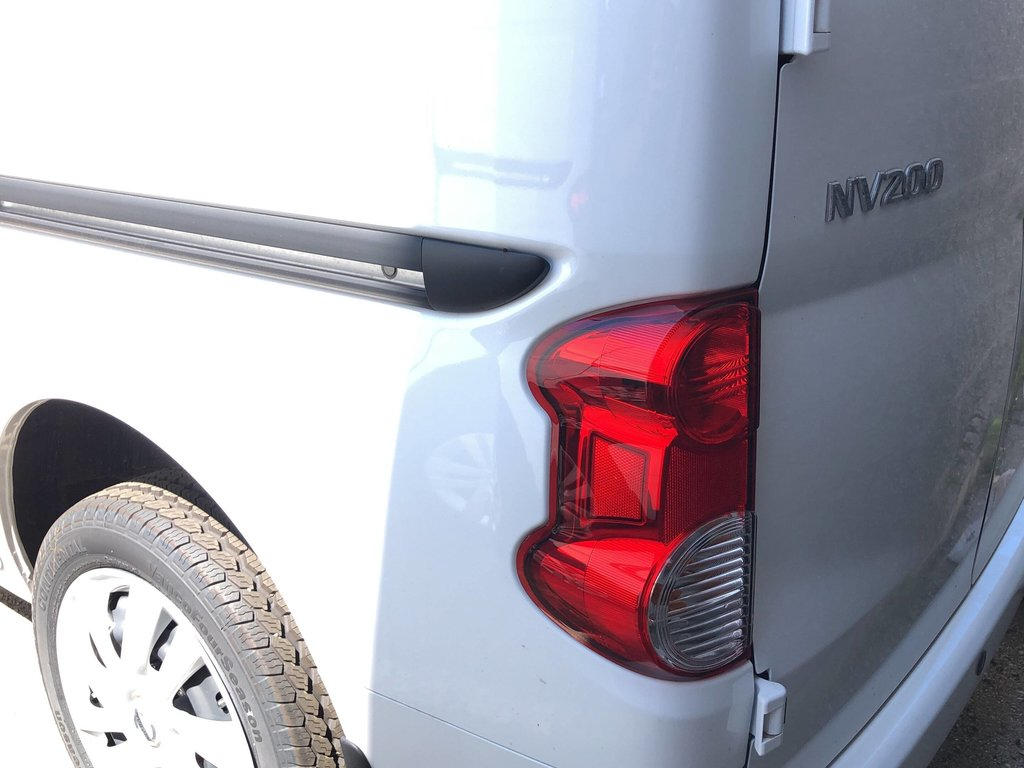 2019 Nissan NV200 Compact Cargo SV in Mississauga, Ontario - 3 - w1024h768px