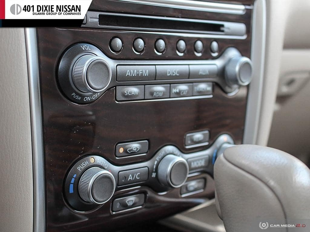 2014 Nissan Pathfinder SL V6 4x4 at in Mississauga, Ontario - 18 - w1024h768px