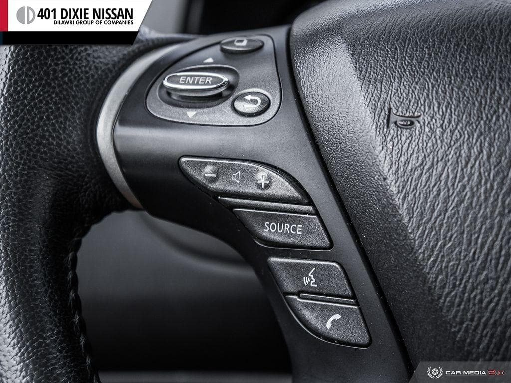 2016 Nissan Pathfinder SL V6 4x4 at in Mississauga, Ontario - 17 - w1024h768px