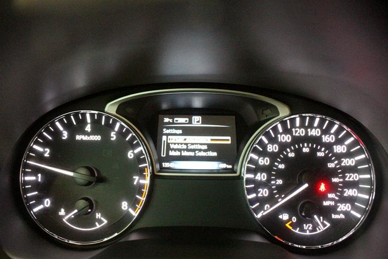 2018 Nissan Pathfinder SL Premium V6 4x4 at in Regina, Saskatchewan - 2 - w1024h768px