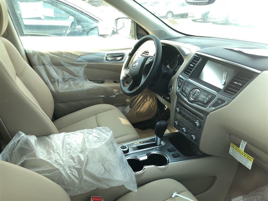 2018 Nissan Pathfinder SL Premium V6 4x4 at in Vancouver, British Columbia - 4 - w1024h768px
