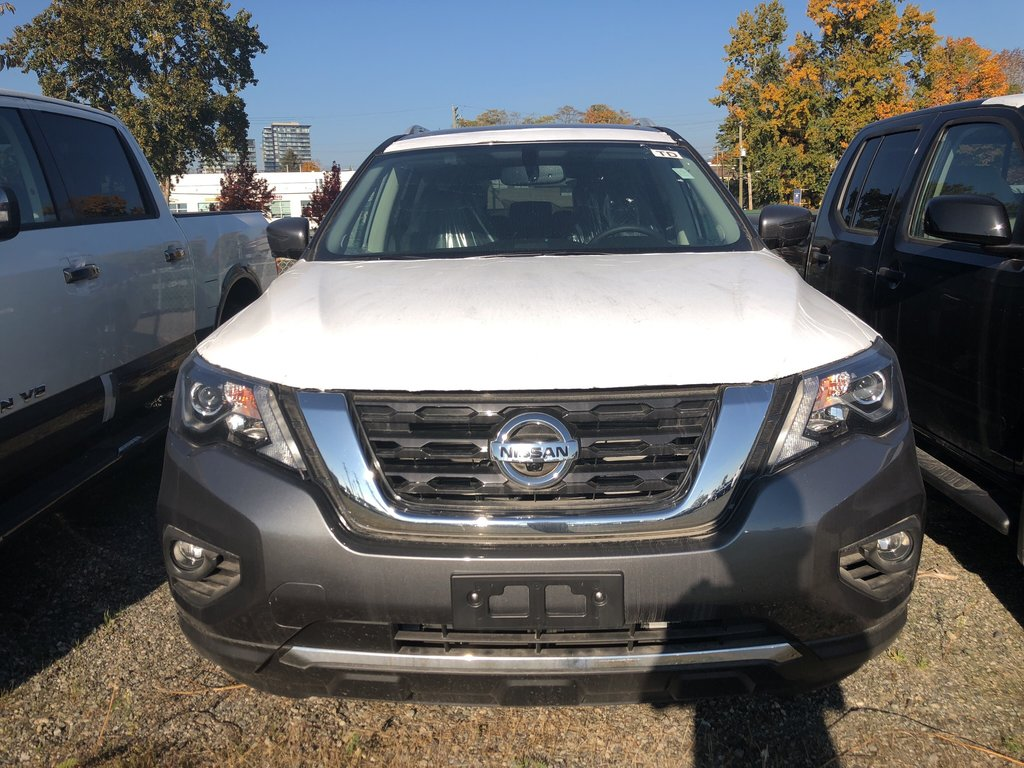 2018 Nissan Pathfinder SL Premium V6 4x4 at in Vancouver, British Columbia - 2 - w1024h768px