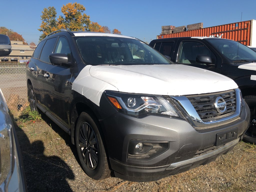 2018 Nissan Pathfinder SL Premium V6 4x4 at in Vancouver, British Columbia - 3 - w1024h768px
