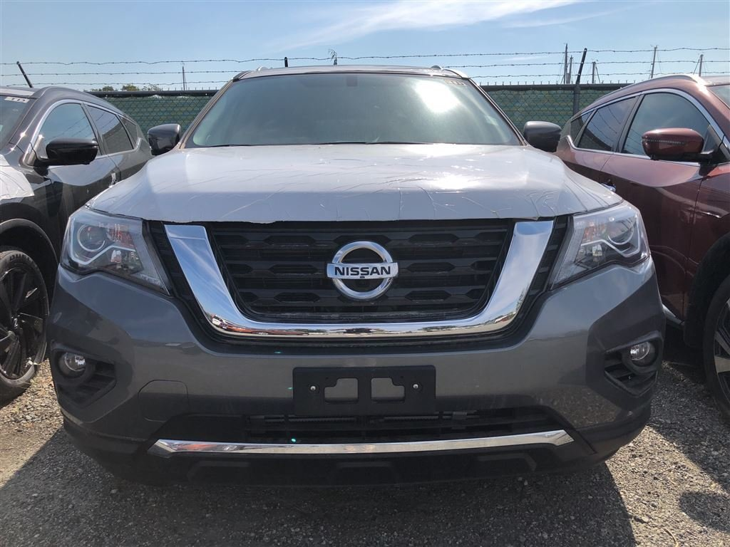 2018 Nissan Pathfinder Platinum V6 4x4 at in Vancouver, British Columbia - 2 - w1024h768px