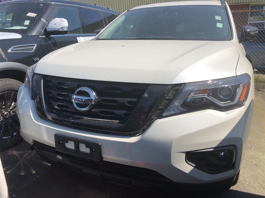 2018 Nissan Pathfinder Midnight Edition V6 4x4 at in Vancouver, British Columbia - 1 - w1024h768px
